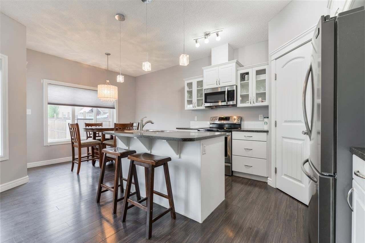 Townhouse for sale at 11403 14 Av SW Edmonton Alberta - MLS: E4202674