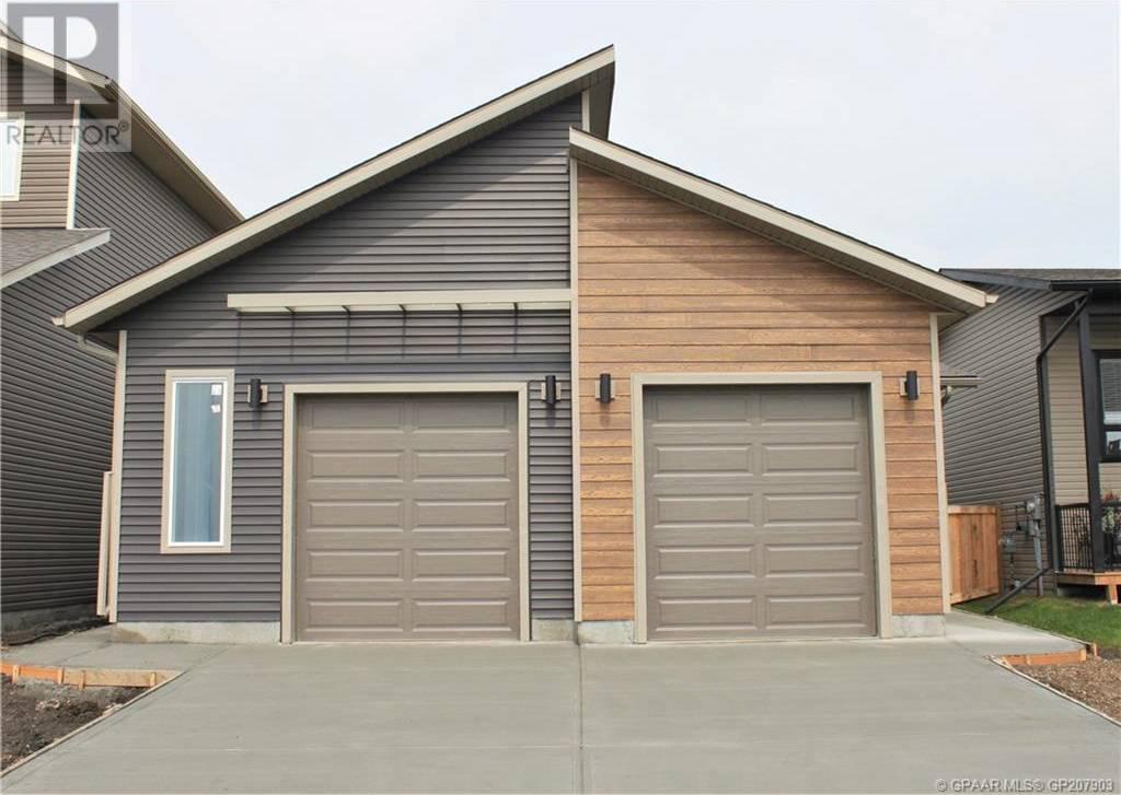 Townhouse for sale at 11406 106 Ave Grande Prairie Alberta - MLS: GP207903