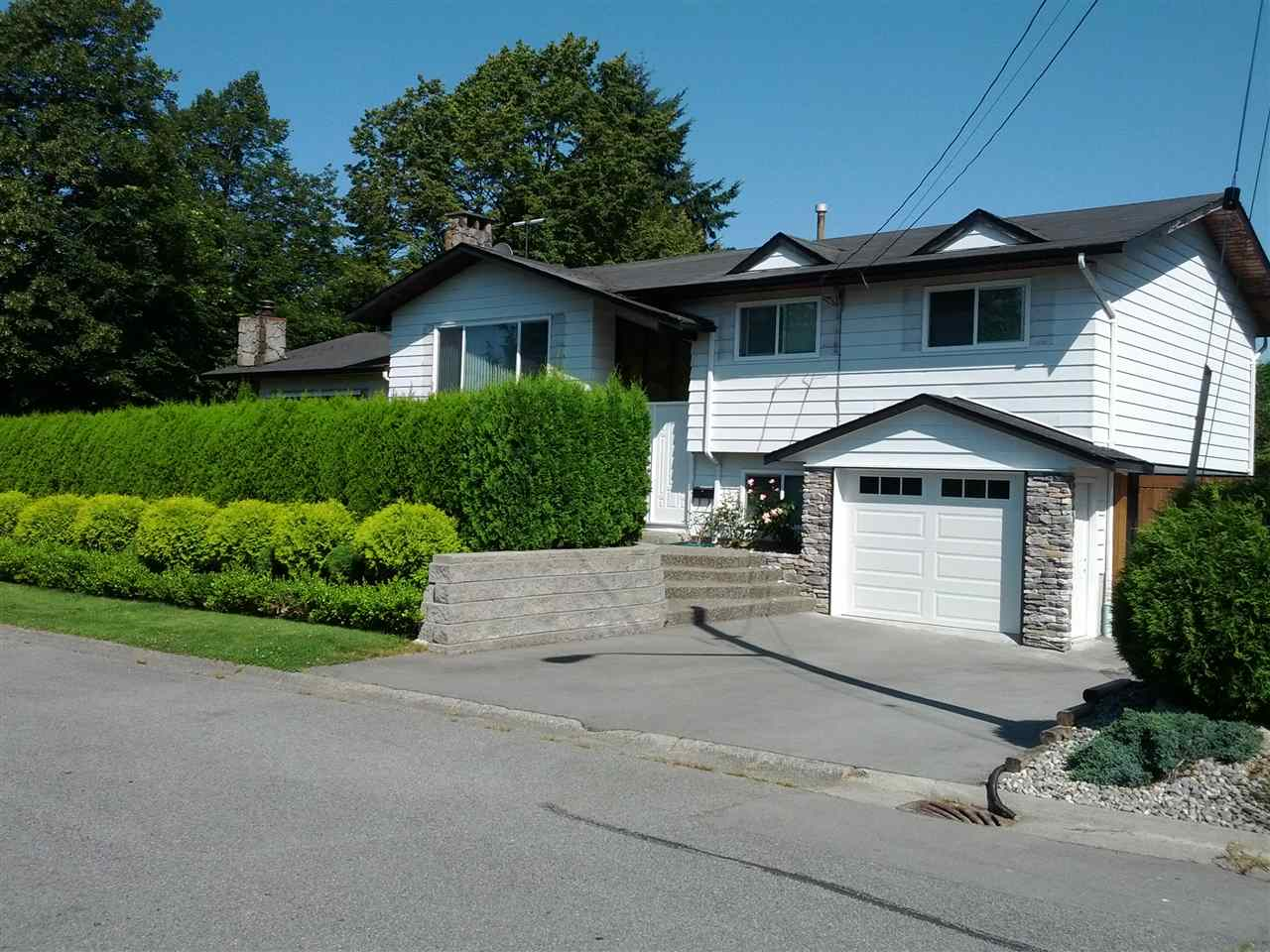 For Sale: 11407 76a Avenue, Delta, BC | 5 Bed, 3 Bath House for $1,588,000. See 2 photos!