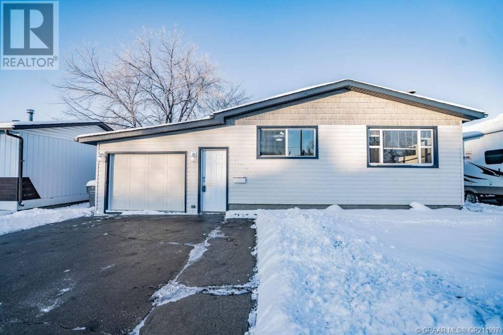 House for sale at 11410 96 St Grande Prairie Alberta - MLS: GP211997
