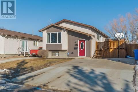 House for sale at 1143 Butterfield Cres N Regina Saskatchewan - MLS: SK802872