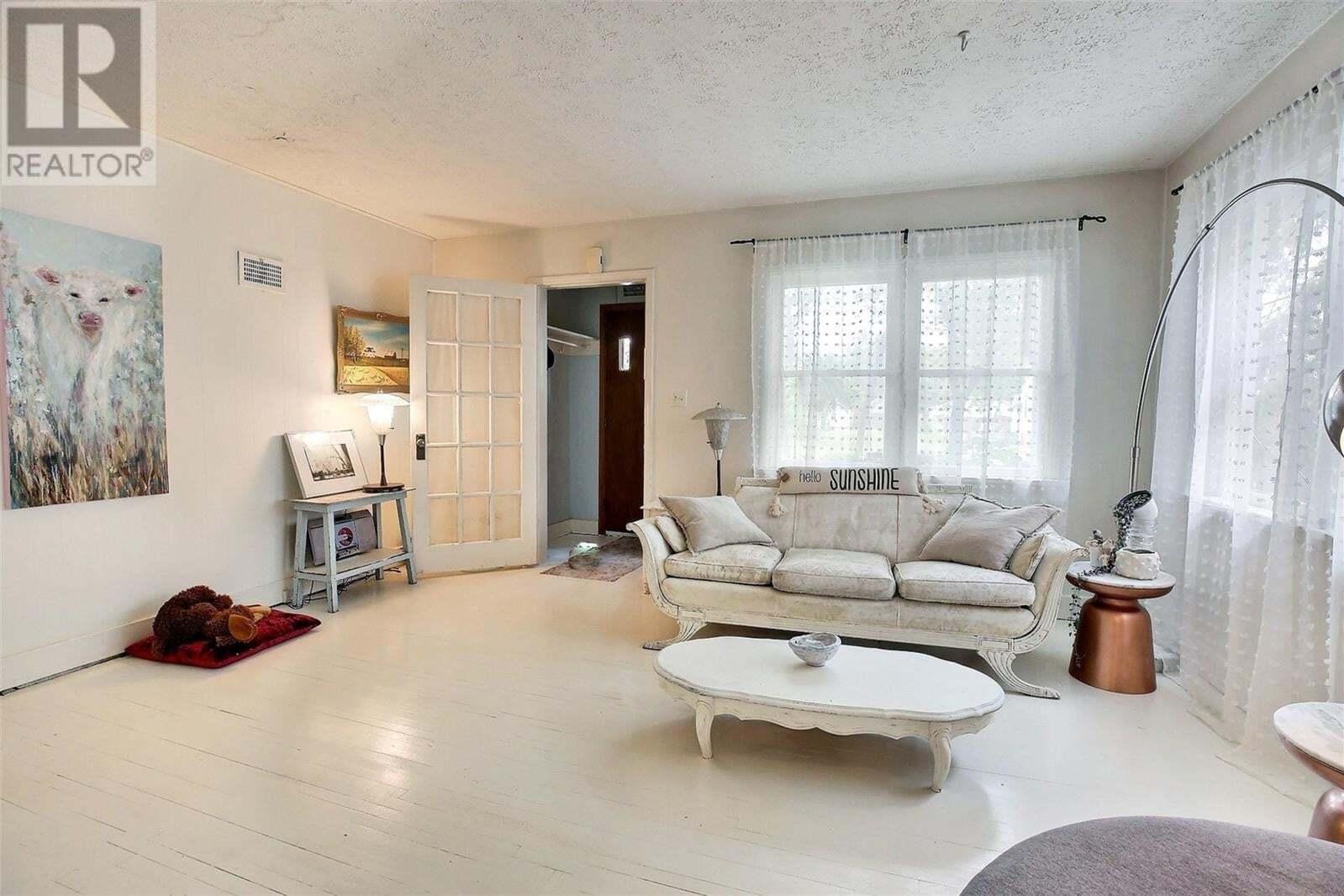 House for sale at 1149 Elphinstone St Regina Saskatchewan - MLS: SK821566