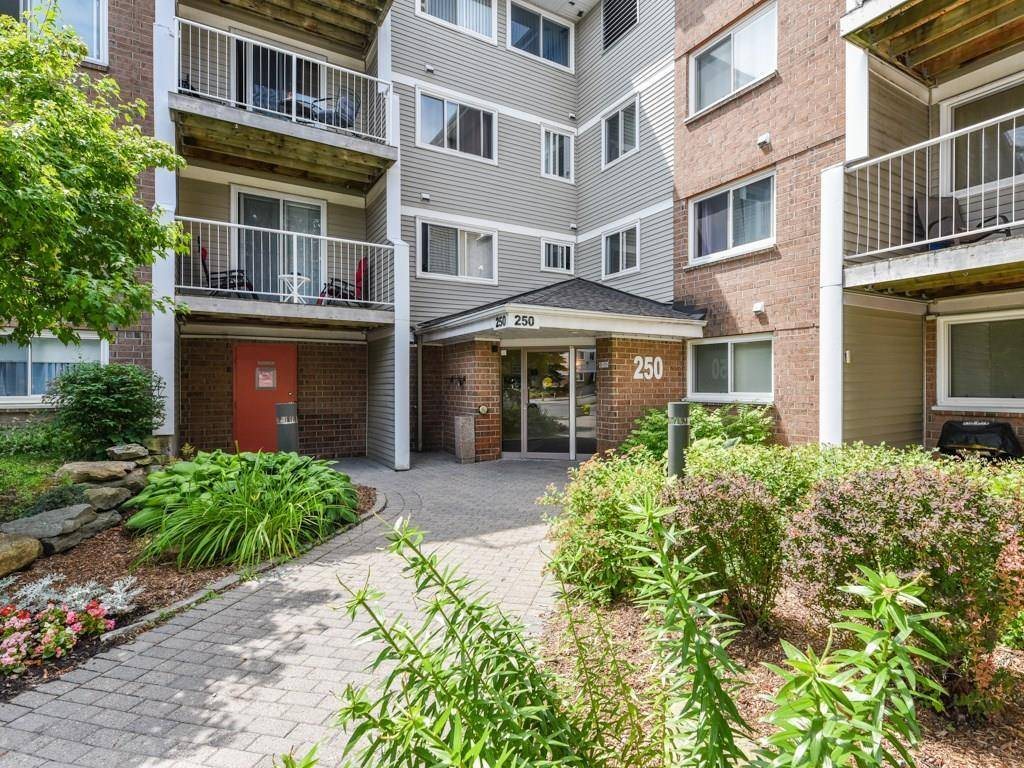 Condo for sale at 250 Brittany Dr Unit 115 Ottawa Ontario - MLS: 1161886