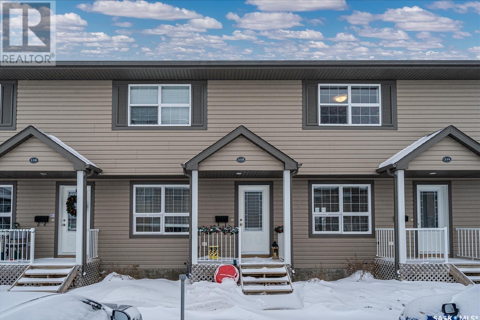 Townhouse for sale at 350 Maccormack Rd Unit 115 Martensville Saskatchewan - MLS: SK830569