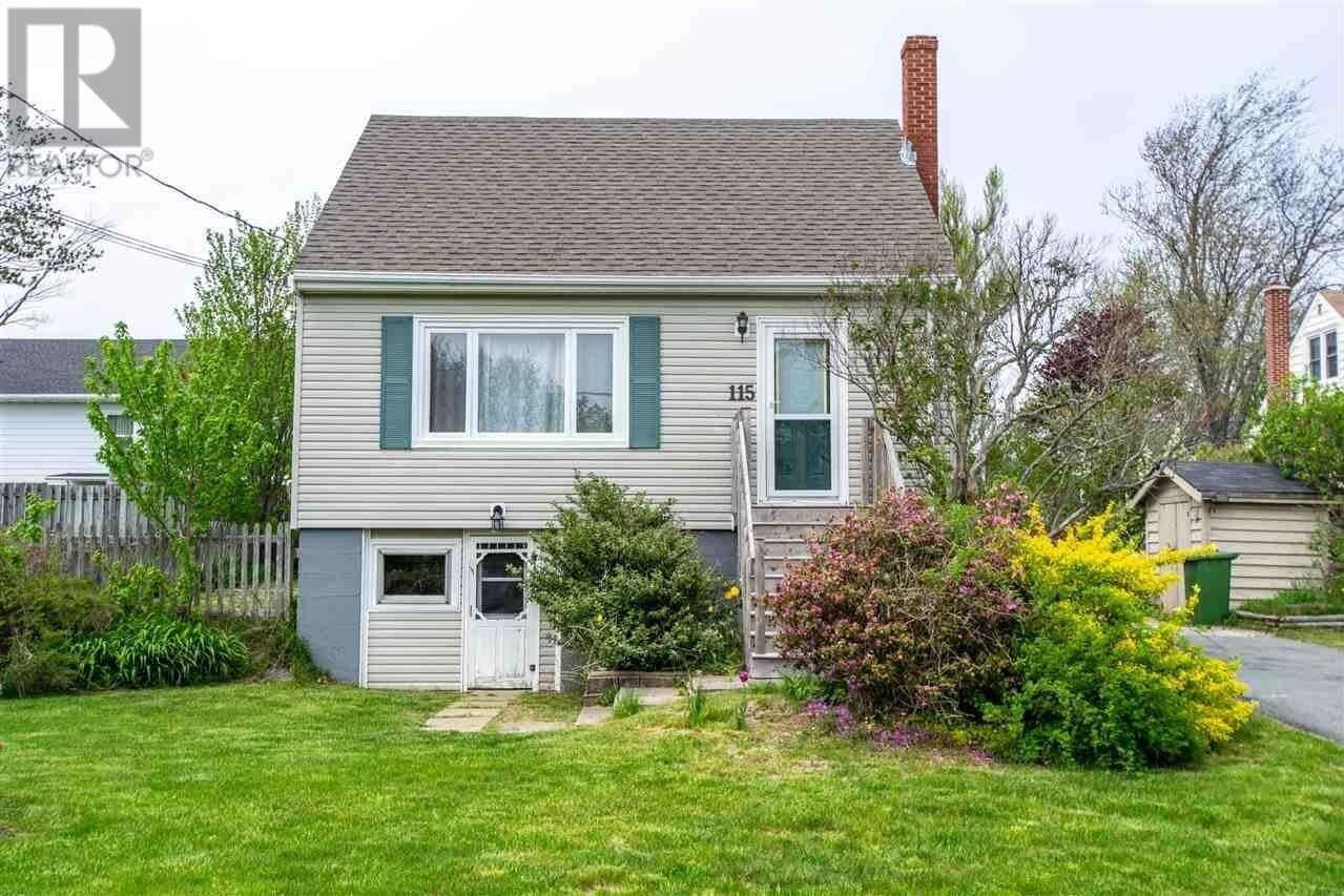 House for sale at 115 Coronation Ave Halifax Nova Scotia - MLS: 202009161