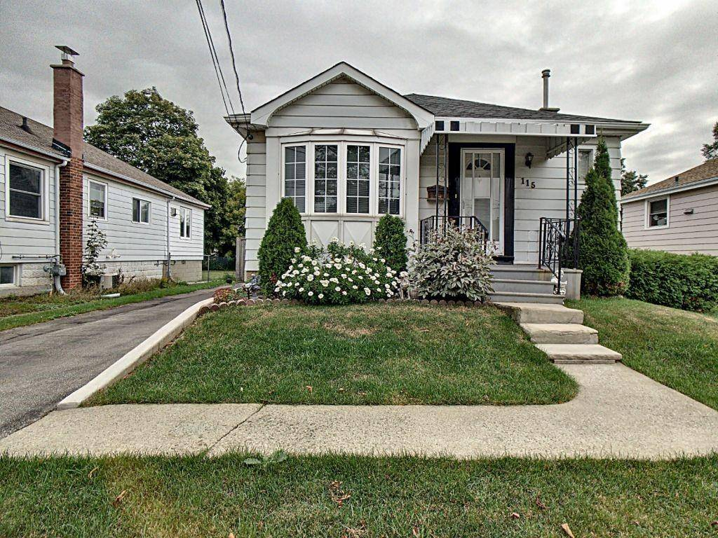 House for sale at 115 25th St East Hamilton Ontario - MLS: H4065080
