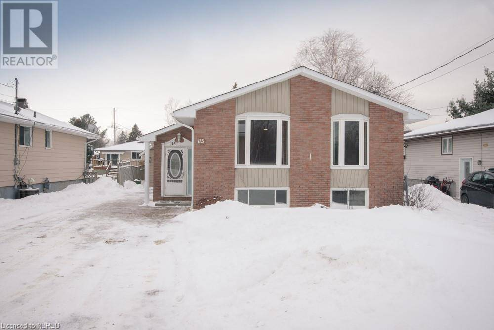 House for sale at 115 Johnston Rd North Bay Ontario - MLS: 241187