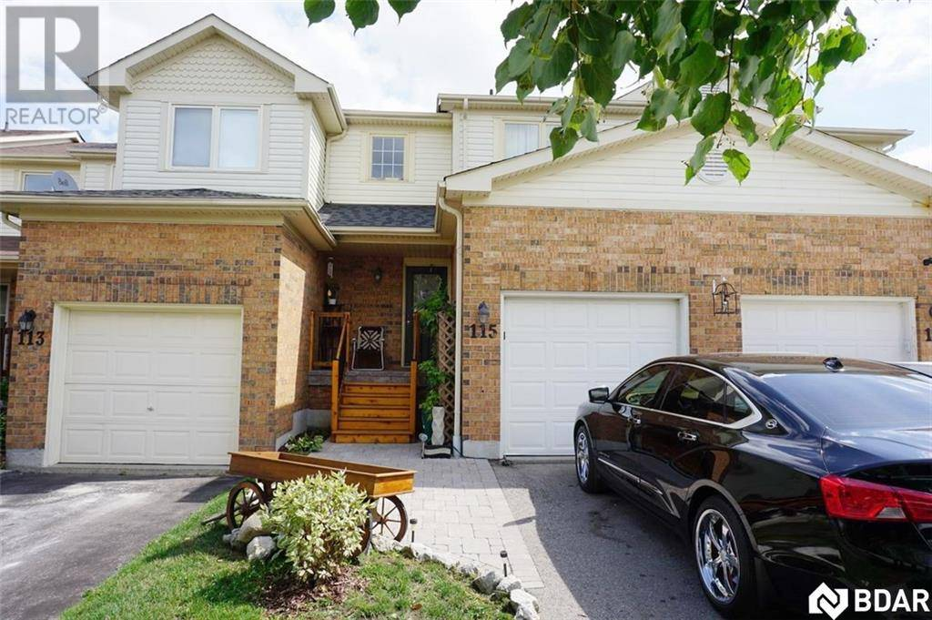 Townhouse for sale at 115 Pickett Cres Barrie Ontario - MLS: 30754774
