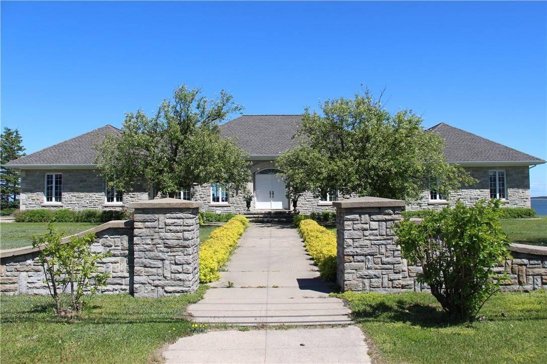 House for sale at 115 St-pierre Est Blvd Caraquet New Brunswick - MLS: NB025040