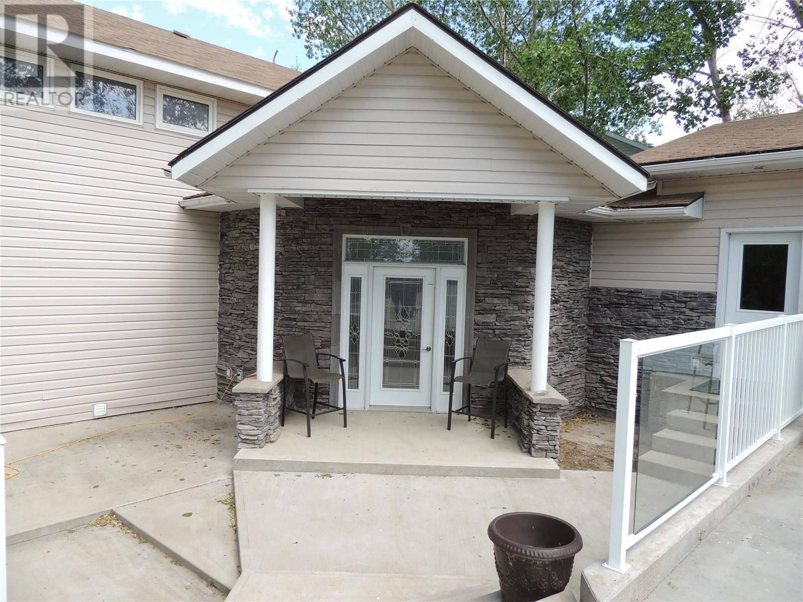 House for sale at 115 Sunset Dr Estevan Rm No. 5 Saskatchewan - MLS: SK771274