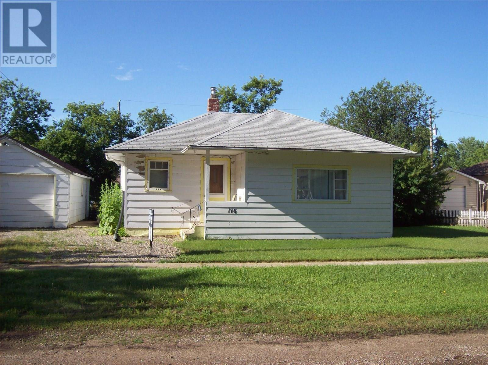 House for sale at 116 2nd St E Langham Saskatchewan - MLS: SK776316