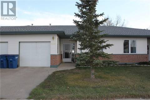 Townhouse for sale at 116 6th Ave Gravelbourg Saskatchewan - MLS: SK751476