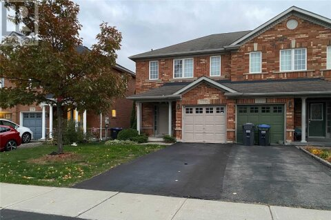 Townhouse for rent at 116 Botavia Downs Dr Brampton Ontario - MLS: W4968533