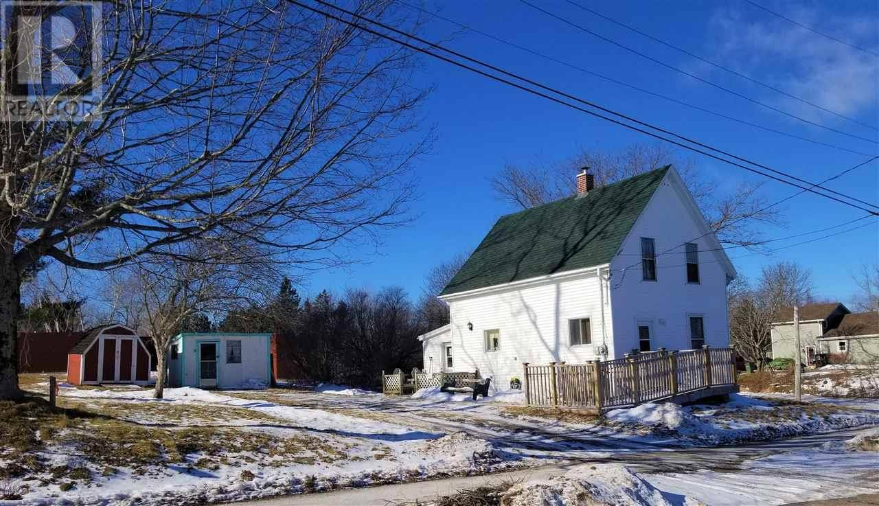 House for sale at 116 Cottage St Berwick Nova Scotia - MLS: 202001748
