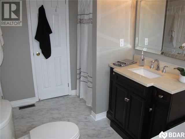 For Sale: 116 Leggott Avenue, Barrie, ON | 3 Bed, 2 Bath House for $484,900. See 20 photos!