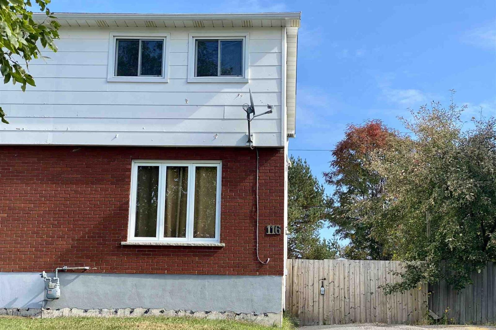 House for sale at 116 Limbrick St Thunder Bay Ontario - MLS: TB202384