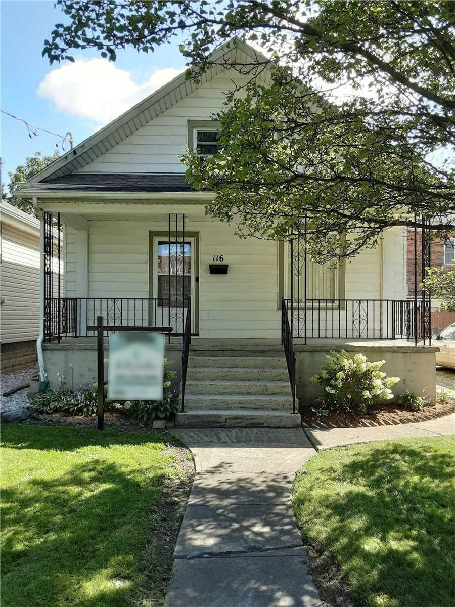 For Sale: 116 Murray Street, Chatham Kent, ON | 3 Bed, 1 Bath House for $218000.00. See 15 photos!