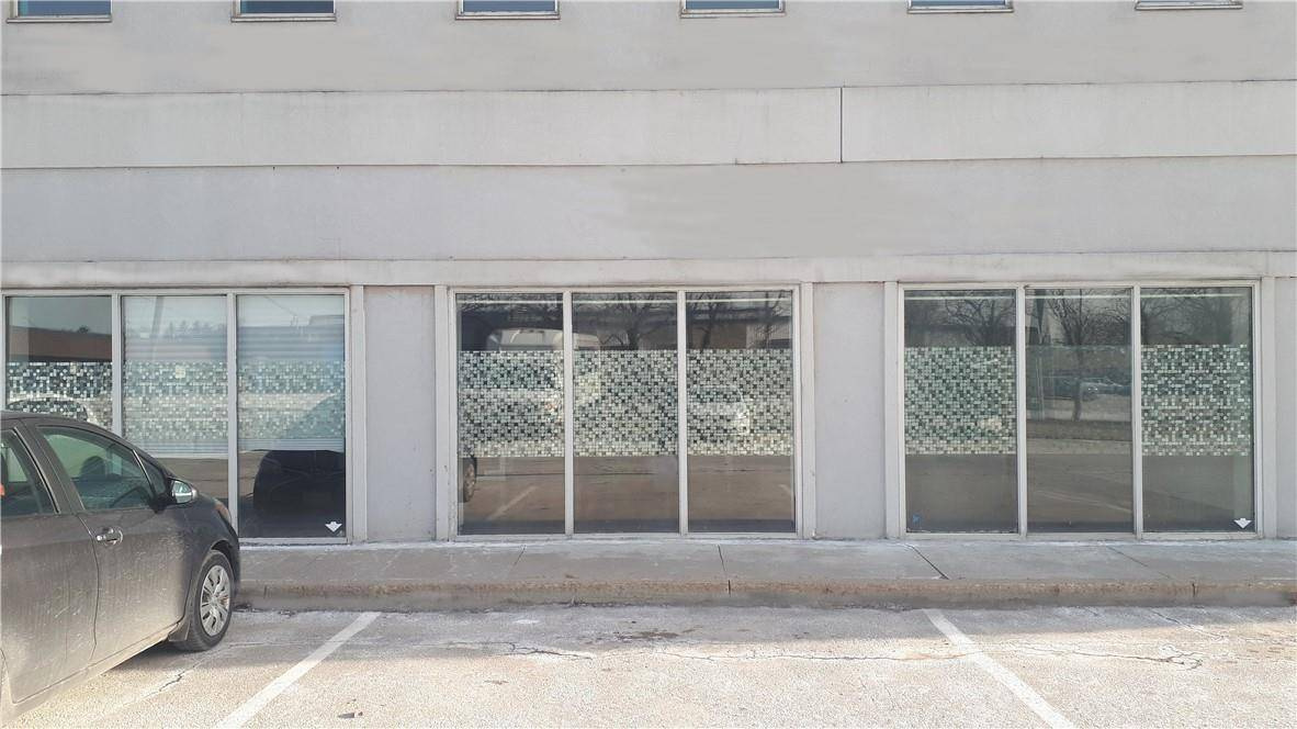 Commercial property for lease at 1160 Blair Rd Burlington Ontario - MLS: H4070749