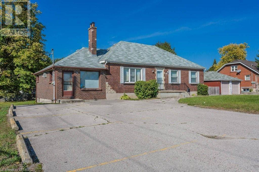 House for sale at 1160 Oxford St East London Ontario - MLS: 223992