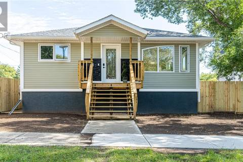 House for sale at 1161 3rd Ave NE Moose Jaw Saskatchewan - MLS: SK786344