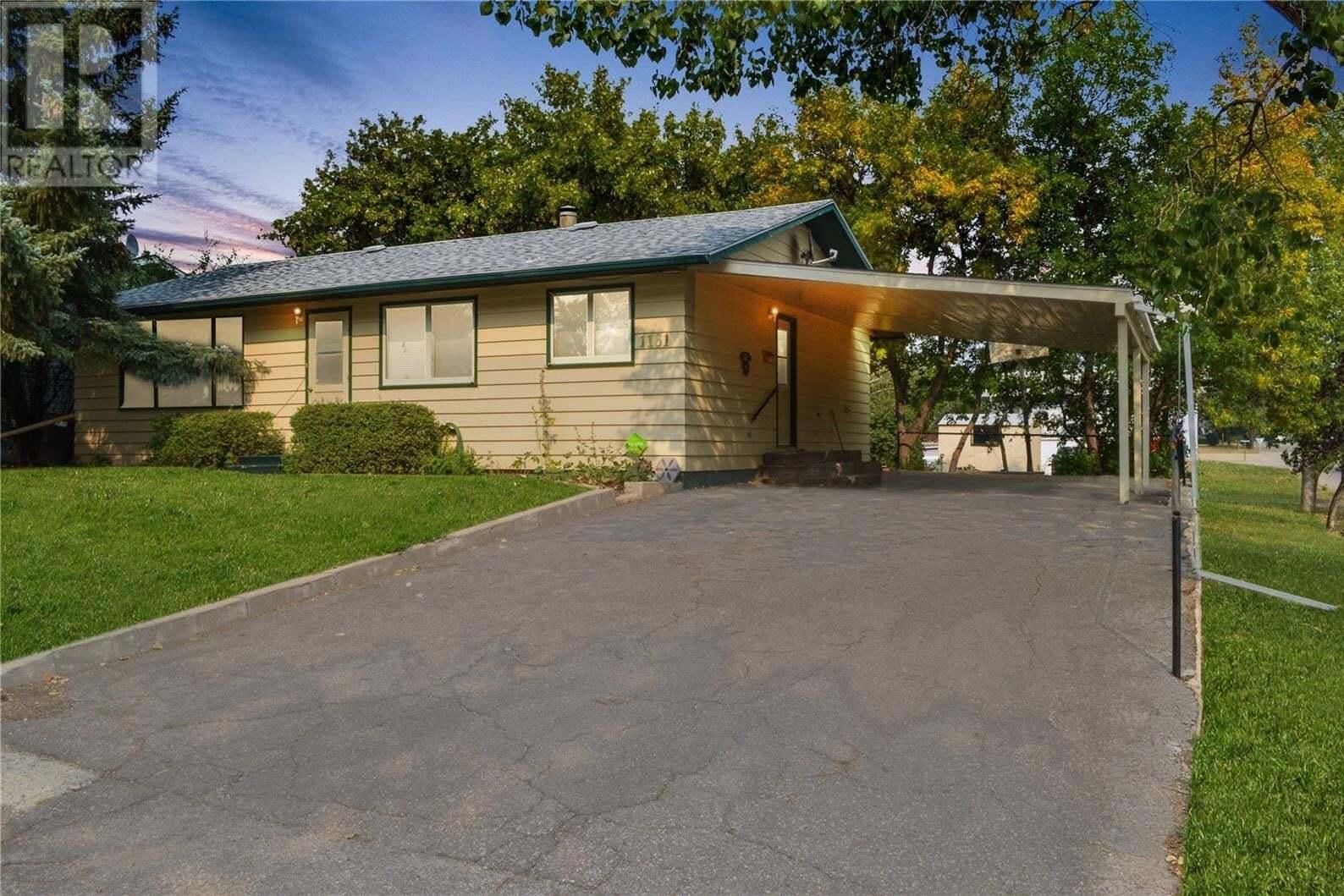 House for sale at 1161 Conrad Ave Gull Lake Saskatchewan - MLS: SK811384