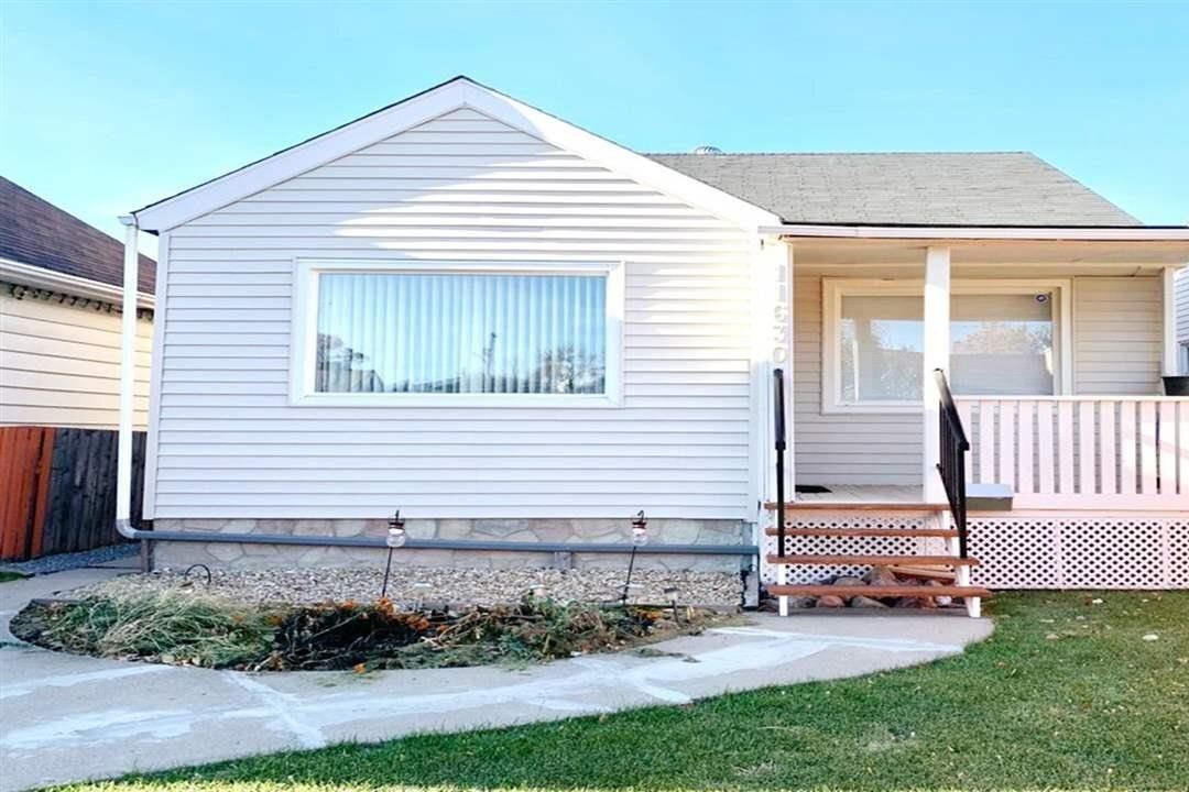 House for sale at 11630 95 St NW Edmonton Alberta - MLS: E4220376