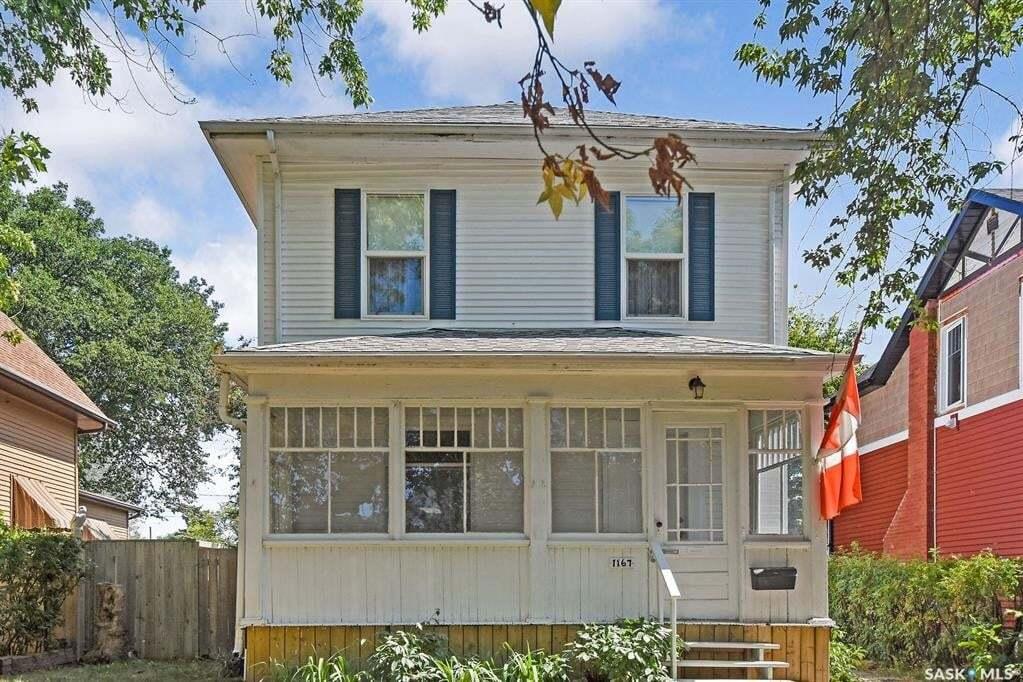 House for sale at 1167 1st Ave NE Moose Jaw Saskatchewan - MLS: SK810403
