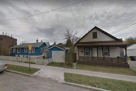 Home for sale at 117 7 St Northeast Calgary Alberta - MLS: C4245844