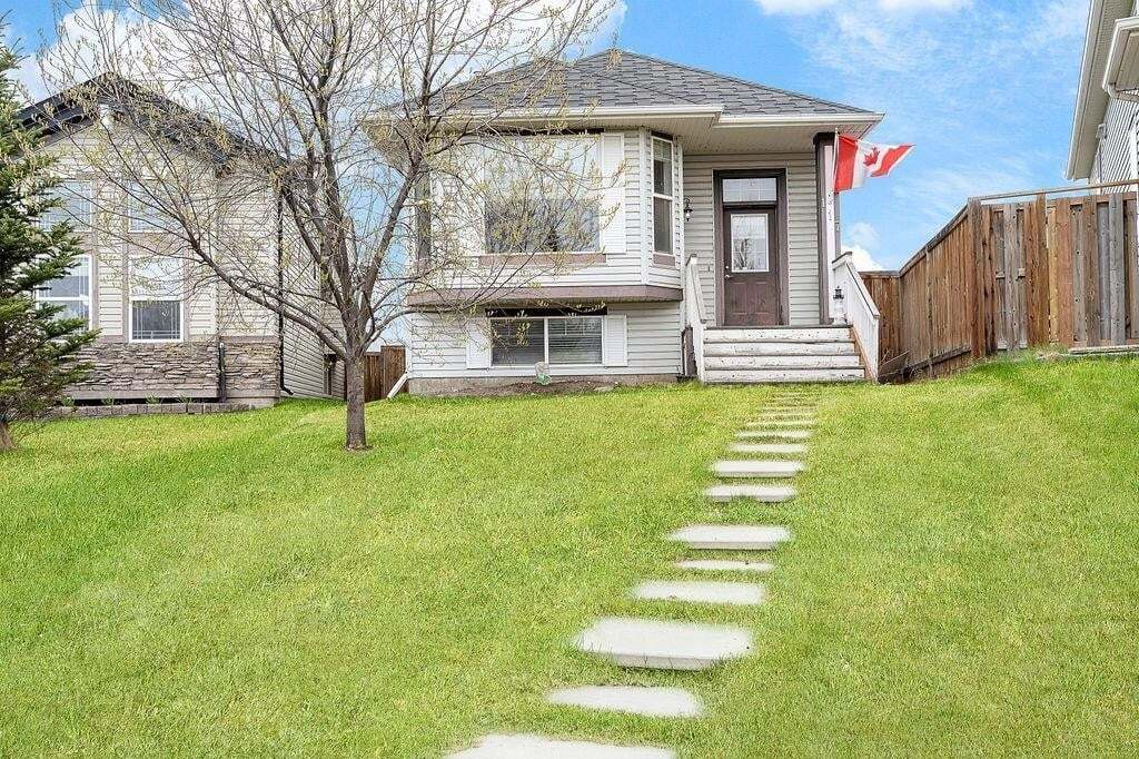 House for sale at 117 Covehaven Rd NE Coventry Hills, Calgary Alberta - MLS: C4295472