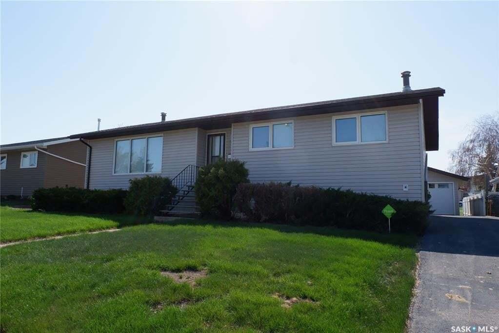 House for sale at 117 Leeville Dr Assiniboia Saskatchewan - MLS: SK809000