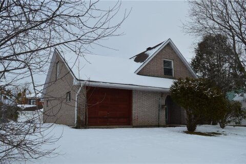 House for sale at 117 Queen St Renfrew Ontario - MLS: 1222370
