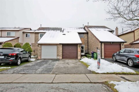 Townhouse for sale at 117 Valley Stream Dr Toronto Ontario - MLS: E5000770