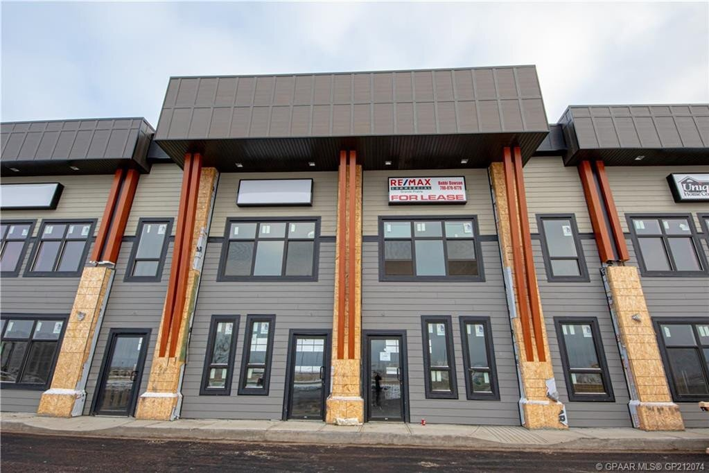 Commercial property for lease at 11706 104 Ave Grande Prairie Alberta - MLS: GP212074