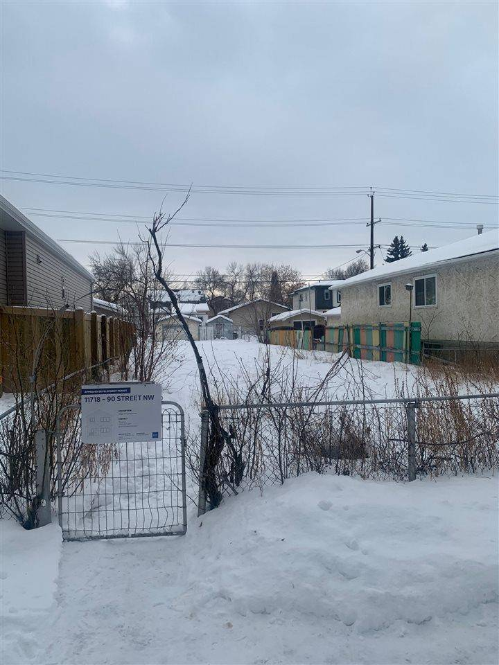 Home for sale at 11718 90 St Nw Edmonton Alberta - MLS: E4187886