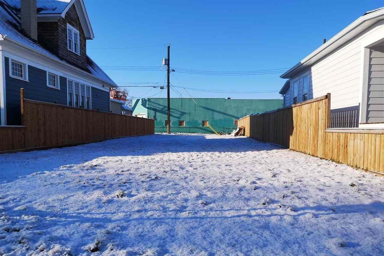 Home for sale at 11742 96 St NW Edmonton Alberta - MLS: E4201051