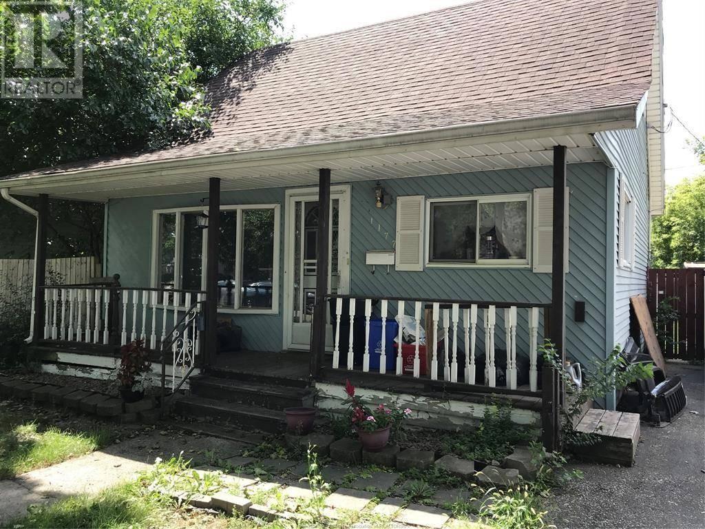 House for sale at 1177 Oak  Windsor Ontario - MLS: 19025521