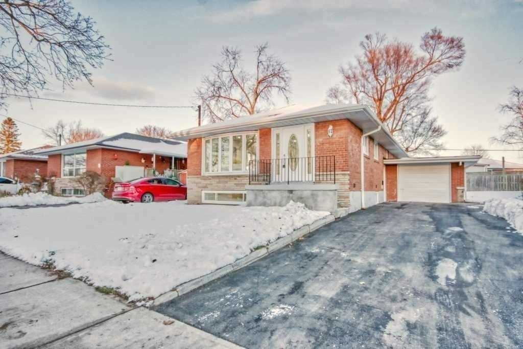 For Rent: 118 Brantwood Drive, Toronto, ON   3 Bed, 2 Bath House for $2500.00. See 9 photos!