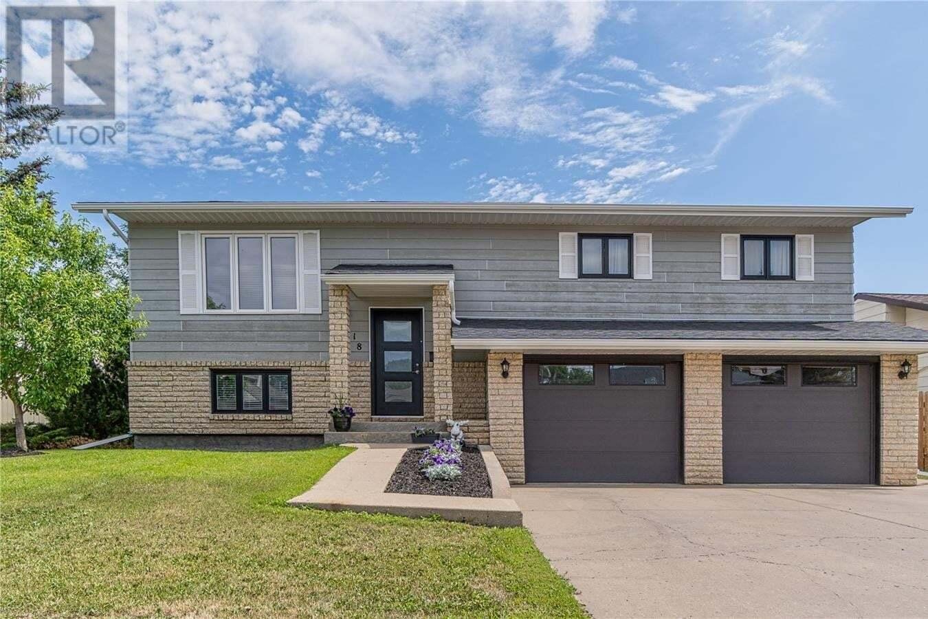 House for sale at 118 Calypso Dr Moose Jaw Saskatchewan - MLS: SK815223