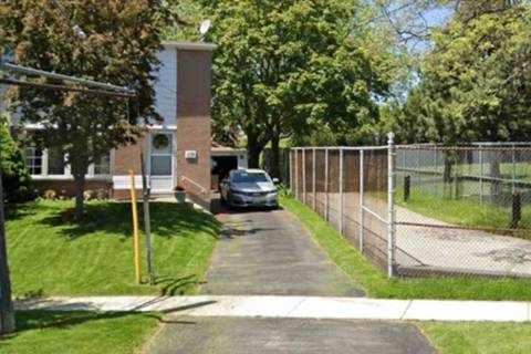 Townhouse for rent at 118 Chestnut Cres Toronto Ontario - MLS: E4624489