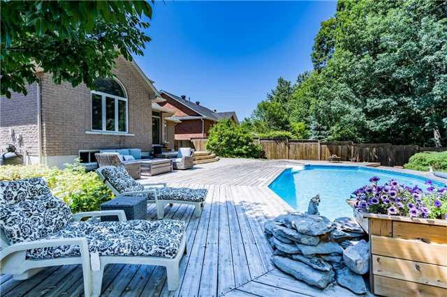 For Sale: 118 Cumming Drive, Barrie, ON | 3 Bed, 4 Bath House for $859,900. See 16 photos!