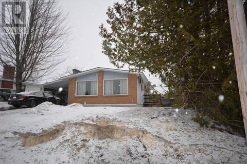 House for sale at 118 Elizabeth St Woodstock New Brunswick - MLS: NB021825