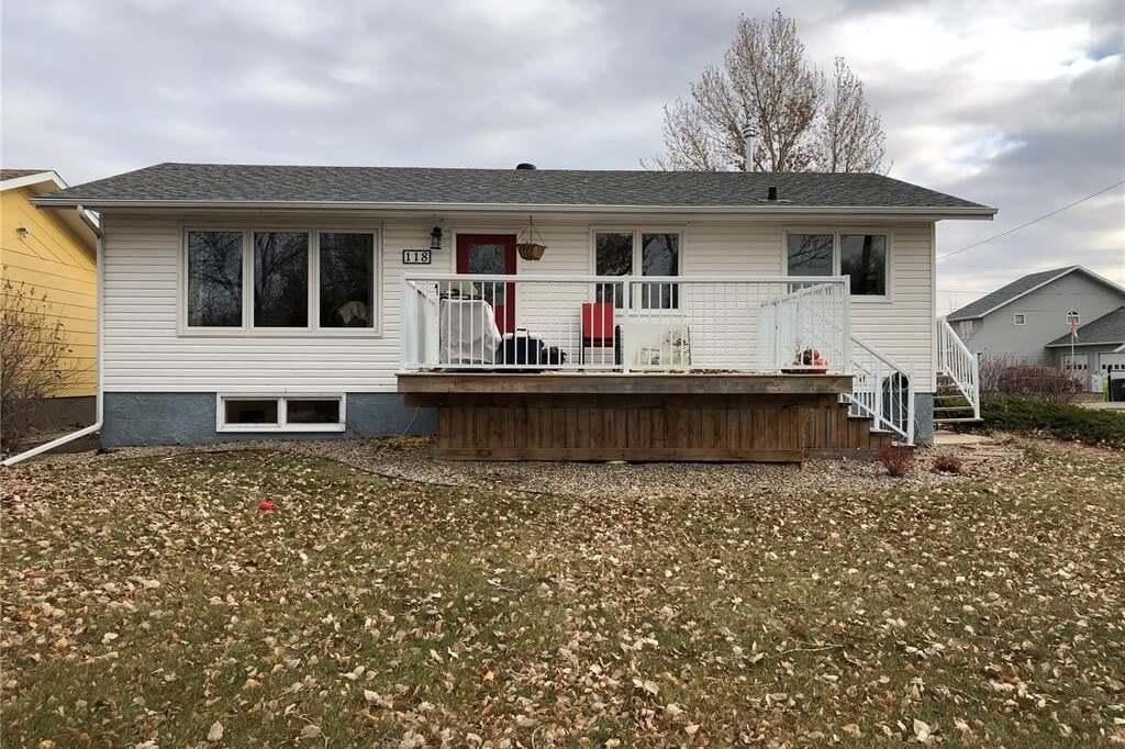 House for sale at 118 Griffin St Maple Creek Saskatchewan - MLS: SK808523