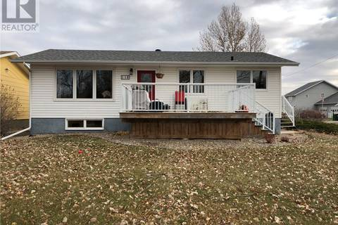 House for sale at 118 Griffin St Maple Creek Saskatchewan - MLS: SK790779