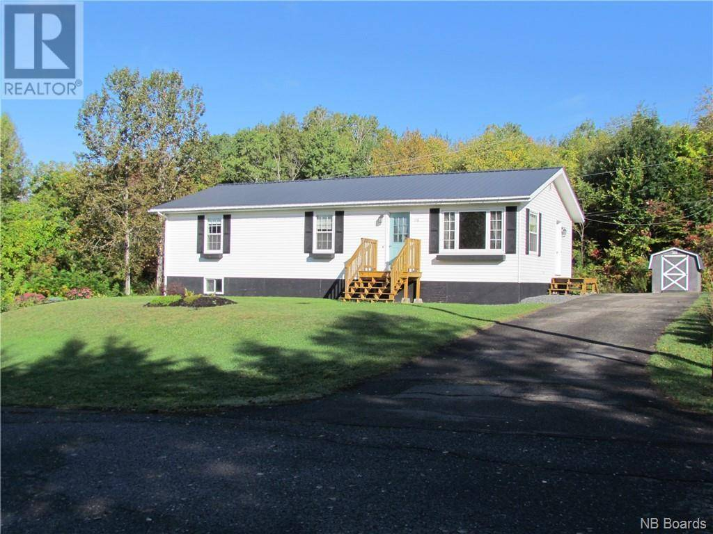 House for sale at 118 Harley St Woodstock New Brunswick - MLS: NB034593