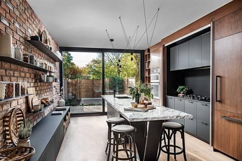 House for sale at 118 Sorauren Ave Toronto Ontario - MLS: W4409716