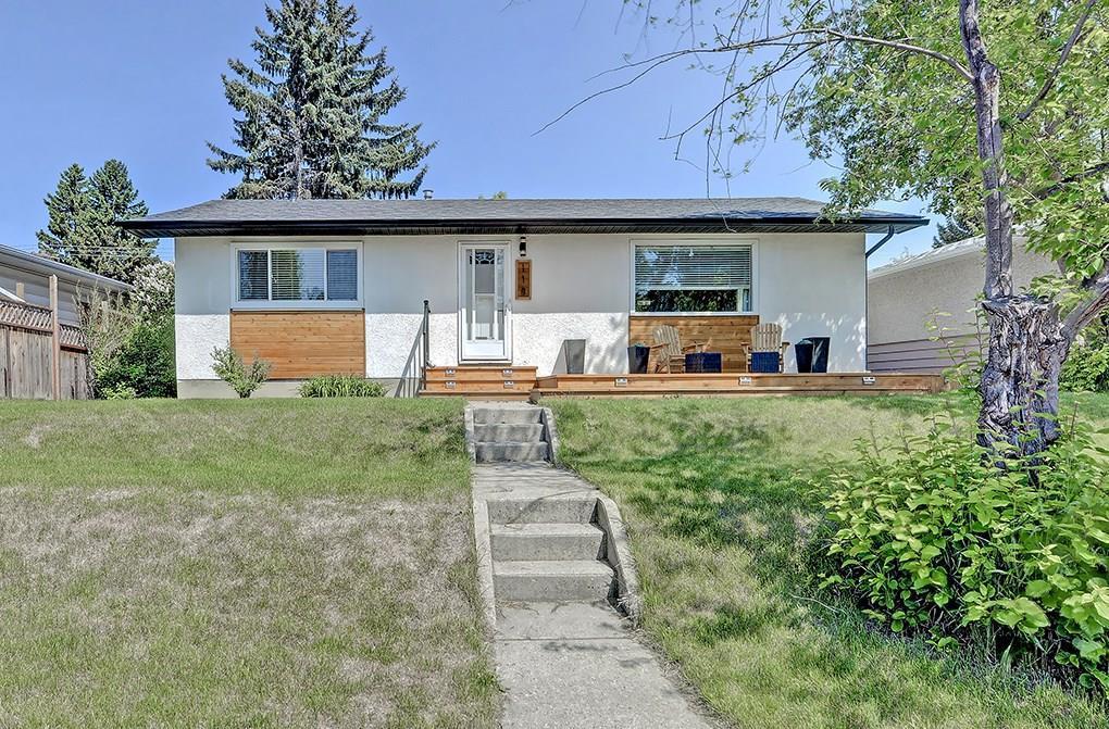 Sold: 118 Springwood Drive Southwest, Calgary, AB