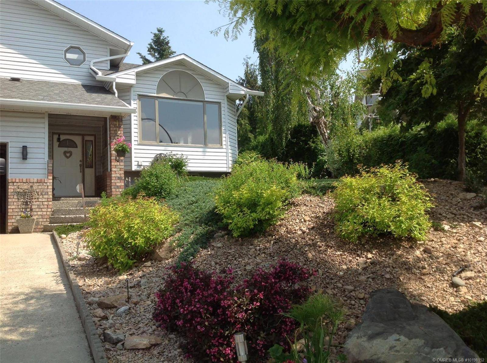 11800 Marwood Place, Coldstream | Image 2