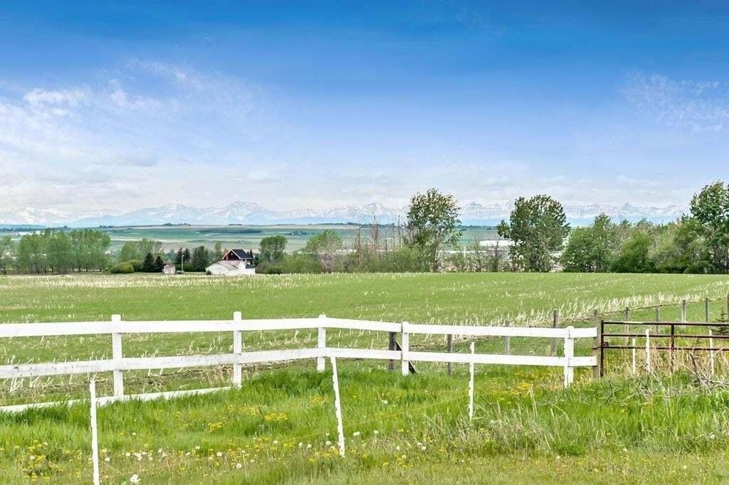 House for sale at 118019 380 Av E Gladys Ridge, Rural Foothills M.d. Alberta - MLS: C4288066