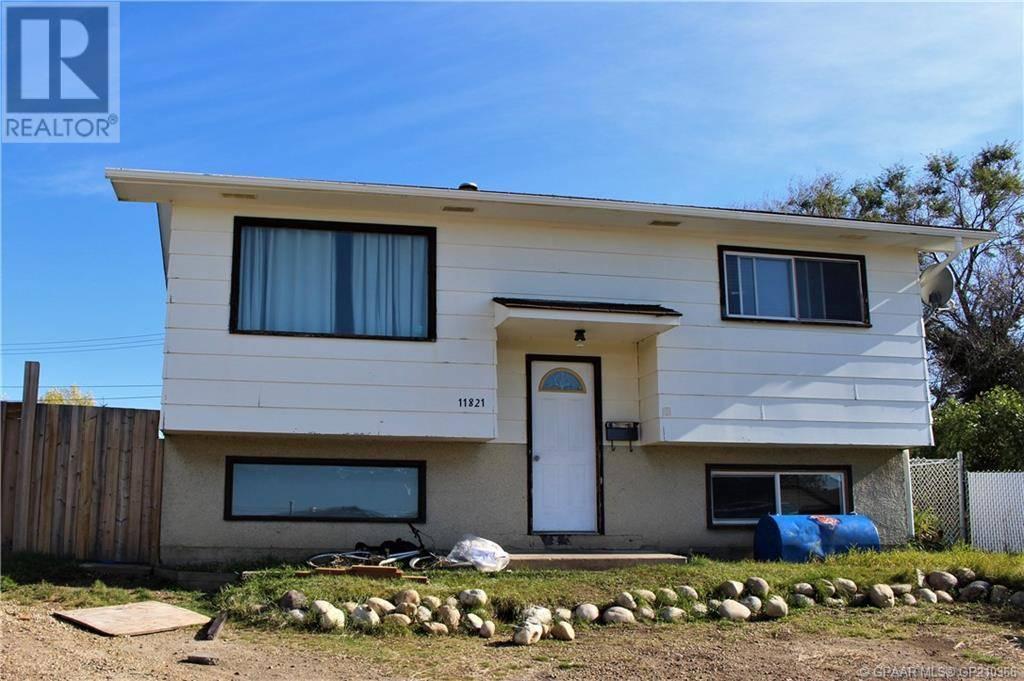 House for sale at 11821 98 St Grande Prairie Alberta - MLS: GP210366