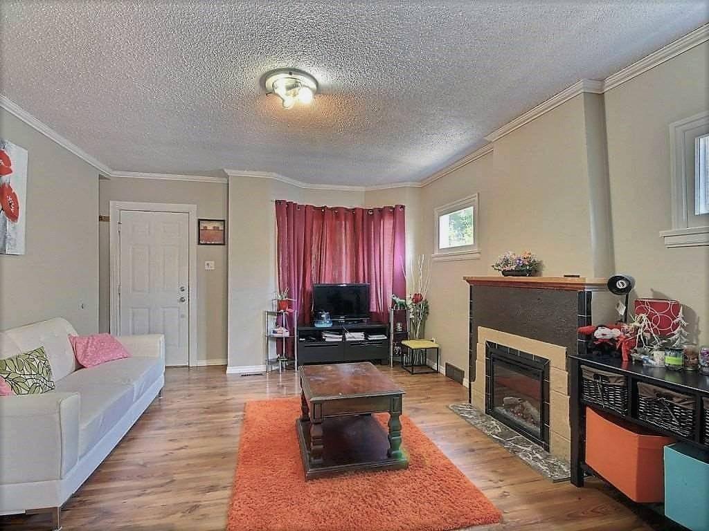 11840 95 Street Nw, Edmonton | Image 2